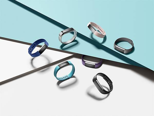 Fitbit-Alta-Family-1.jpg