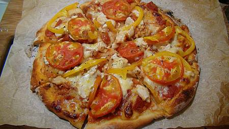 番茄黃椒雞肉起司pizza