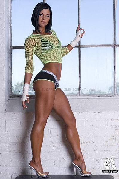 Miryah-Jade-Scott-fitness-model-lean-muscle