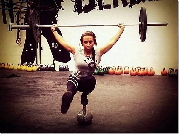 strong-girl_thumb