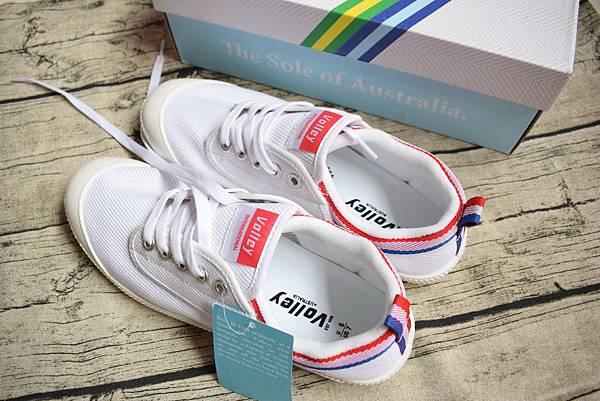 澳洲國民小白鞋Volley (1)