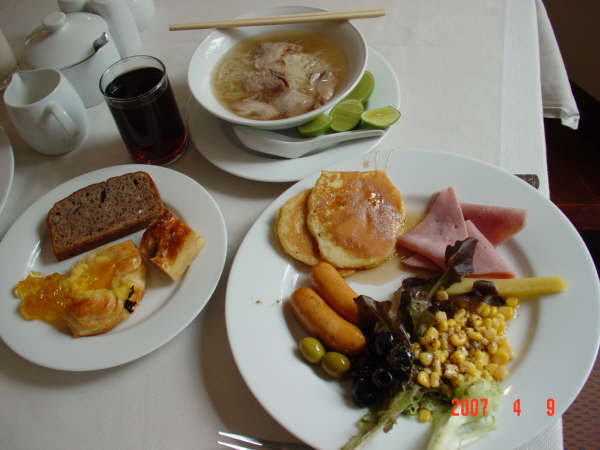 01 Hotel's breakfast.JPG