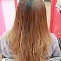 【分岔+斷裂的極度受損髮~變身甜美氣質妹~不剪短】2011作品客戶