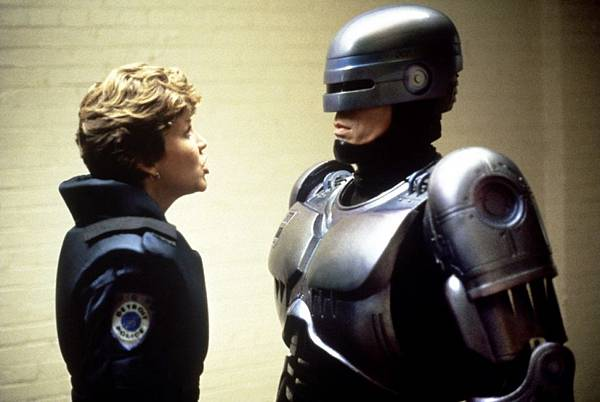 robocop2-Nancy_Allen