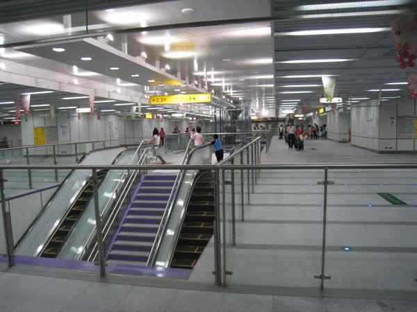 06中央公園站