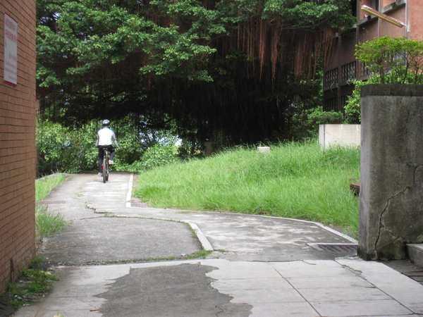 08腳踏車騎士.jpg
