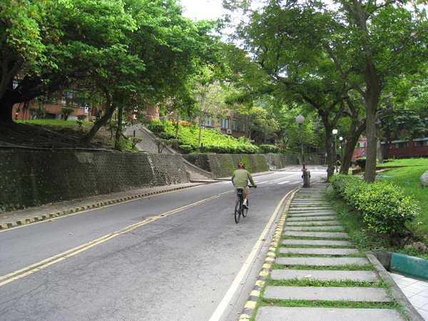 09腳踏車騎士.jpg