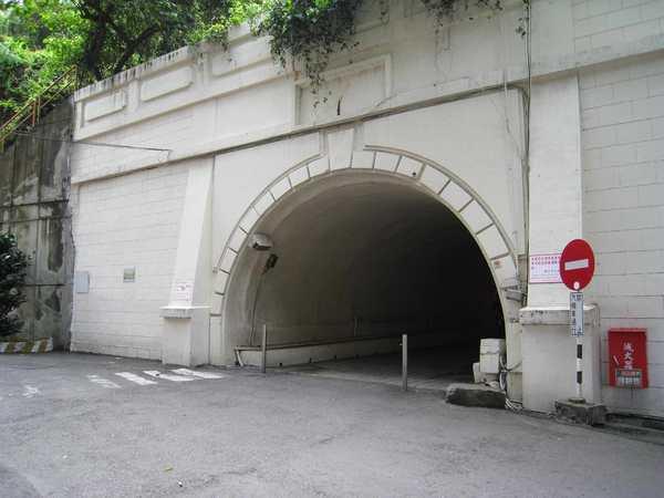 23隧道.jpg