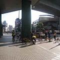 01好多人在新店站集合出發.jpg