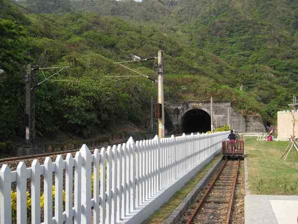 61現行的火車軌道.jpg