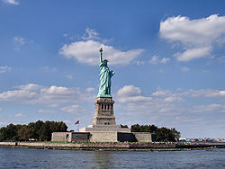 3.Liberty-statue-from-front.jpg