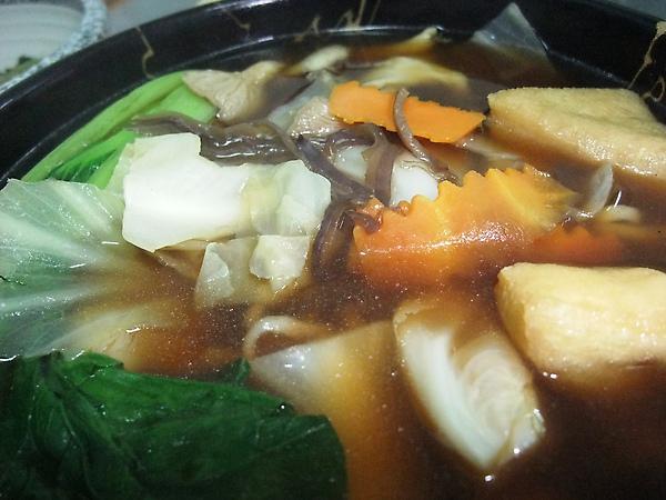 肉骨茶青蔬麵