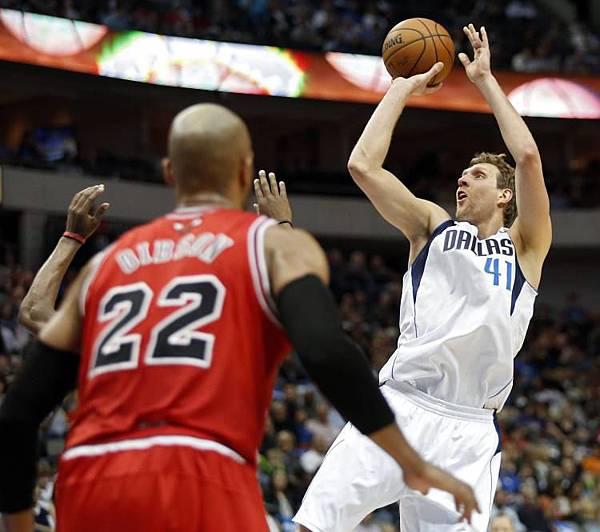 Dirk vs Bulls