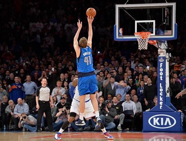 Dirk vs Knicks