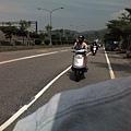 一邊騎車一邊拍照