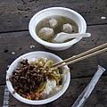 039_不好吃的香菇肉燥飯和好喝的貢丸湯