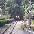 015_電車過山洞了