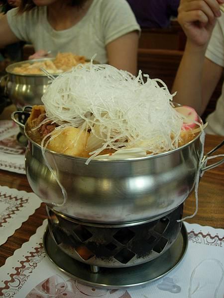 066_滿出來的偈亭牛肉鍋2
