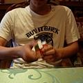 012_哈雷在玩魔術方塊2