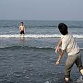 063_小黃跟whoman玩球3