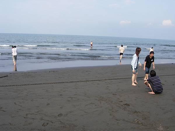 040_在海中的是小黃