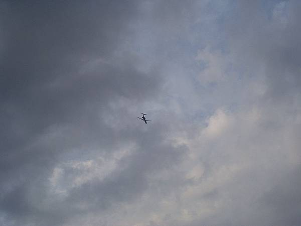 025_剛好有飛機起飛