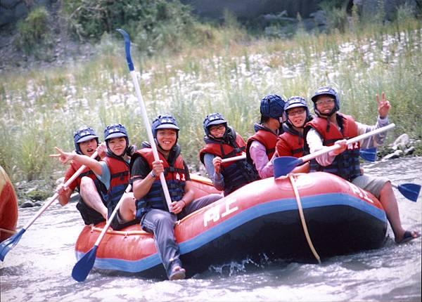 001_只有六個人去泛舟