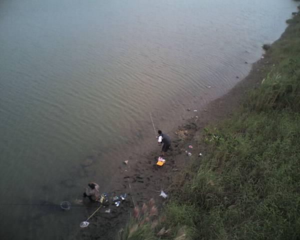 006_橋下的釣客