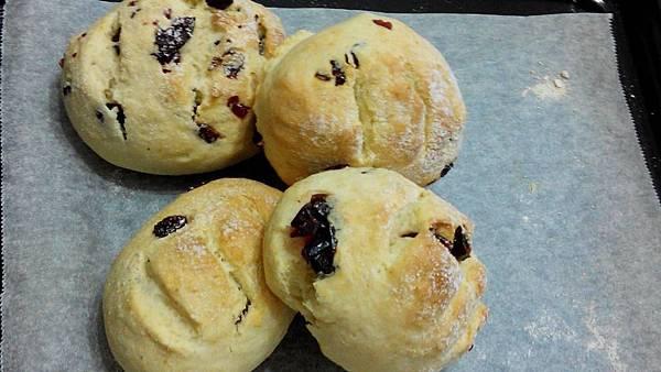 蔓越莓優格麵包