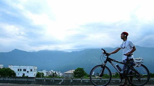 山雲與單車