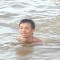 海裡的江董