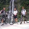 雲仙瀑布前 (2009.06.01)
