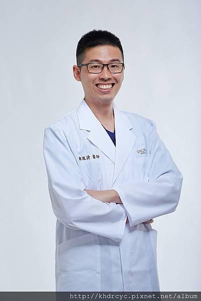 欣美牙醫形象3442.jpg