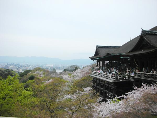 這張照片就是硬要拍京都塔與清水舞台.jpg