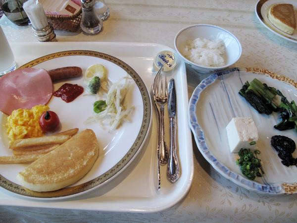 最愛吃飯店的早餐 高山的牛奶真好喝.jpg