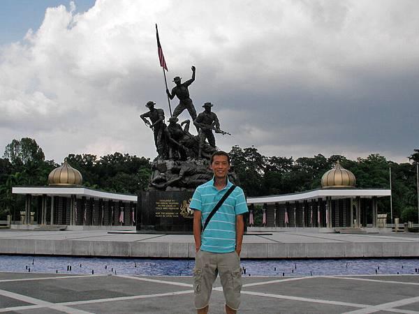 我在獨立廣場前