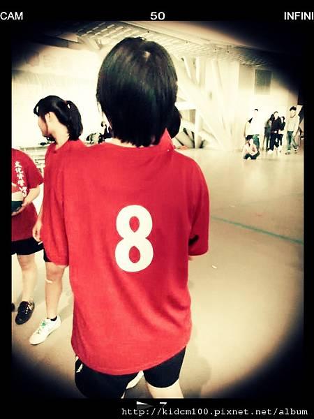 YO 背號8