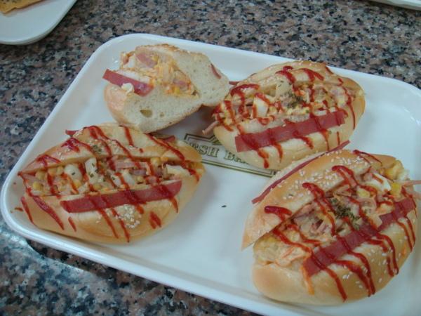 調理麵包-沙拉麵包