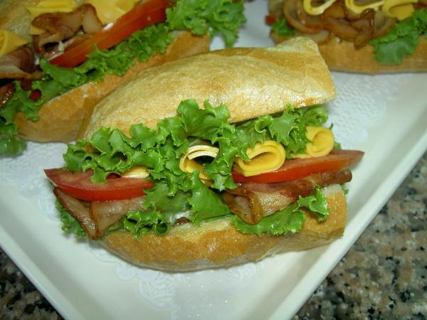 培根起司三明治完成版