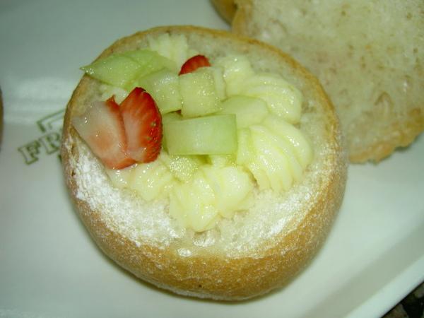 水果布丁三明治牛奶內餡