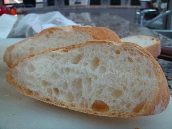 麵包工廠-法國麵包剖面圖