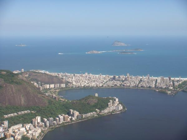 可看到Copacabana海灘