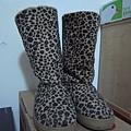 豹紋雪靴 100$