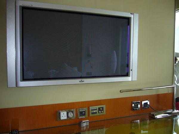 029.豪華的電視.JPG