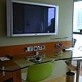030.電視跟書桌.JPG