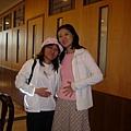 062.好飽的兩個孕婦(不要打我阿~~).JPG