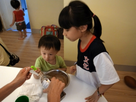 20120517做巧克力餅乾with Katie 017