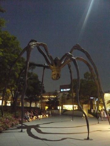 六本木森美術館前的大蜘蛛