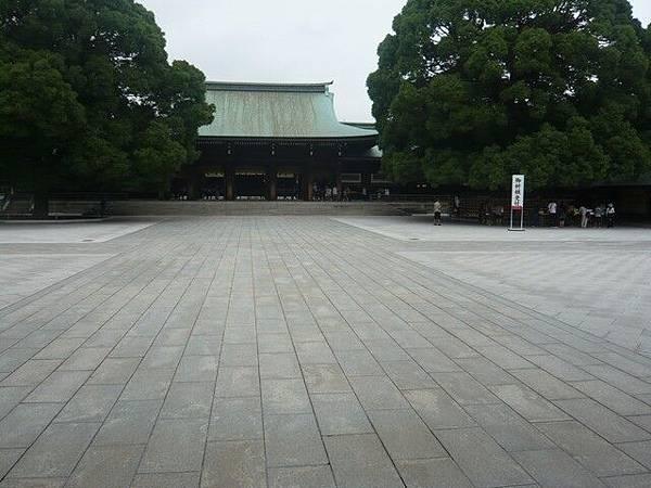 這個大廣場讓人的心情很平靜
