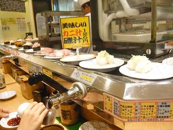 晚餐吃回轉壽司